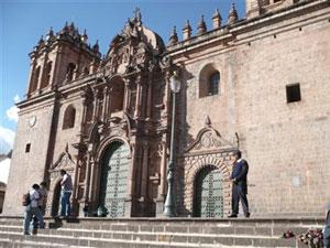 La Catedral preside la Plaza de Armas de Cuzco