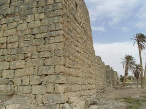 Aún sobreviven las murallas romanas del Qasr Al-Azraq
