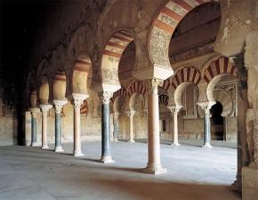 El interior de la mezquita cordobesa impresiona