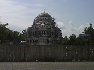 Una iglesia ortodoxa en plena restauración