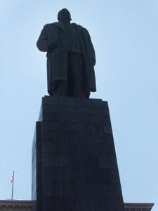 Una de las últimas fotos a la estatua de Stalin