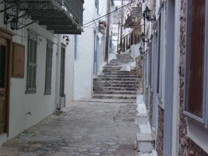 Los estrechos callejones son unos de los reclamos hidriotas