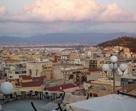 Una panorámica de Cagliari desde el Bastione