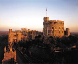 El imponente castillo de Windsor, visto al atardecer