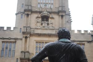 Una curiosa perspectiva de la biblioteca de Oxford