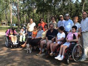 Un grupo de ciudadanos con parálisis cerebral