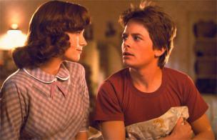 En Regreso al futuro, Marty casi liga con su madre