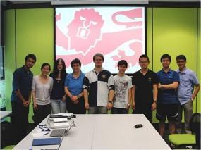 El joven grupo de estudiantes padre de la invención