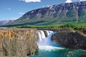 El 'plateau' de Putorana preside un universo de cascadas