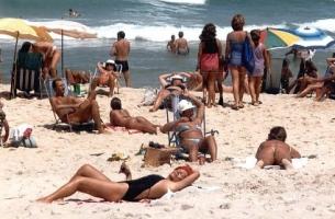 Las playas brasileñas, siempre a tope de personal