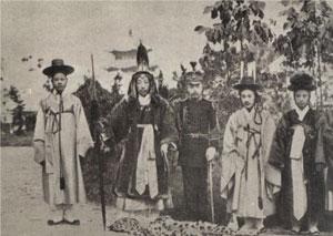 Así vestían los últimos miembros de la dinastía Chosŏn