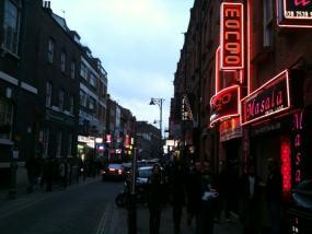 Una imagen de Brick Lane, un día cualquiera por la tarde