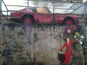 Un grafiti con la imagen de la conocida Mary Poppins
