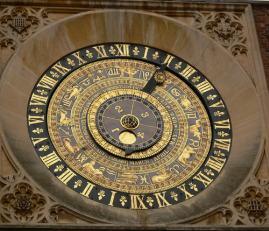 Un plano del majestuoso reloj de Hampton Court